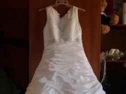 Suknia z kolekcji 2010r + welon