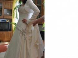 Suknia z kryształkami swarowskiego