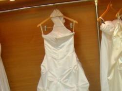 Suknia z trenem rozm.38