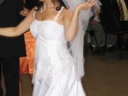suknię ślubną z kolekcji  Herm`s Model Kivor