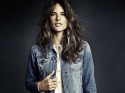 Supermodelka Alessandra Ambrosio w jesiennej kolekcji H&M Denim