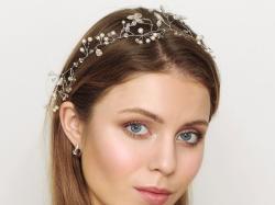 Świeży, rozświetlony makijaż ślubny