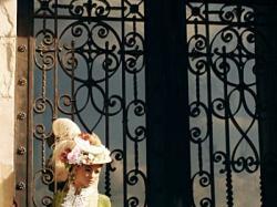 Szmaragdowa suknia XIX-wieczna