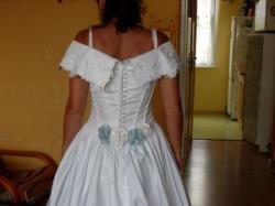 tania suknia