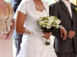 TANIO sprzedam piękną suknię ślubną
