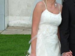 Tanio sprzedam piekną suknię ślubną z dodatkami