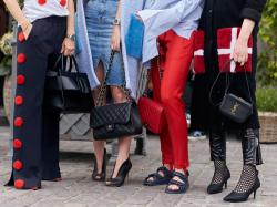 Te spodnie możesz nosić na plażę i czerwony dywan. Będą hitem sezonu wiosna-lato 2018!