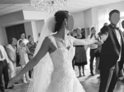 Tiulowo-koronkowa biała suknia ślubna, roz. 36-38