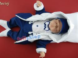 Ubranko na chrzest w niebieskim kolorze