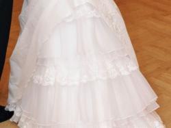 Ujmująca suknia ślubna
