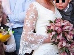 Unikatowa suknia ślubna, kolor jasny ecru.