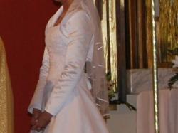 urocza, skromna, subtelna - suknia ślubna