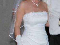 Urocza suknia ślubna