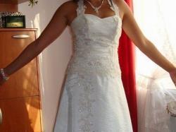 Vaniliowa suknia klasyka