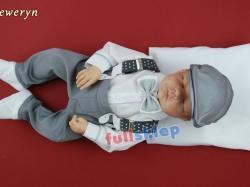 W biało szarym kolorze ubranko dla niemowlęcia na chrzest