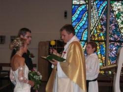 wąska suknia ślubna dla szczupłej tanio