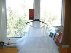 welon i halka ślubna białe