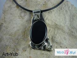 Wisior autorski,wykonany od podstaw ręcznie z kutego,wytapianego mosiądzu i nowego srebra,miedzi