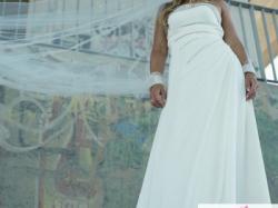 Włoska suknia ślubna z kryształkami Swarovskiego z salonu Lilea