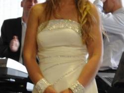 Włoska suknia ślubna z krysztkami Swarovskiego