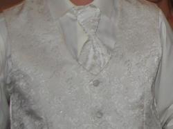 Włoski garnitur ślubny dodatkowo kamizelka i musznik