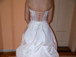 Wpaniała suknia ślubna