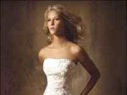 Wspaniała suknia Lissa Ferrera