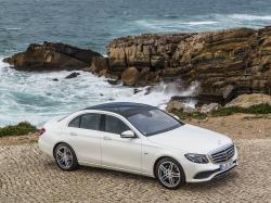 Wspaniały duet AUTO DO ŚLUBU wynajem aut MERCEDES E klasa dla młodych + V klasa dla świadków