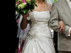 Wygodna,lekka i zjawiskowa suknia ślubna