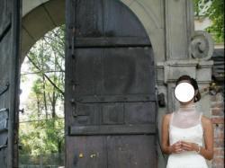 Wyjątkowa jednoczęściowa suknia ślubna