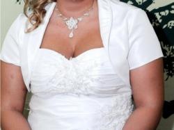 Wyjątkowa suknia ślubna dla puszystych lub ciężarnej