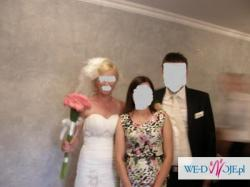 Wyjątkowa suknia ślubna z trenem w kolorze ecri