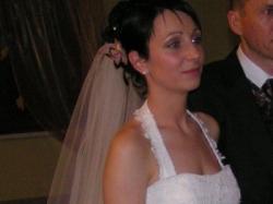 wytworna suknia ślubna z trenem