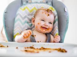 Z czym to się je czyli co musisz wiedzieć o BLW zanim dasz bobasowi jeść co chce!