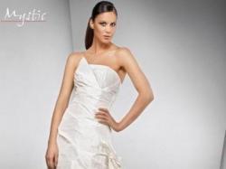 Z kolekcji Mystic Bridal kolor ecru