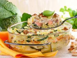 Zapiekanka z kapusty włoskiej i łososia