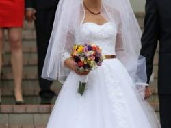 Zdobiona suknia ślubna w stylu litery A (roz.36/38)+bolerko i długi welon-OKAZJA
