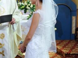 Zjawiskowa koronkowa suknia
