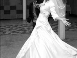 zjawiskowa suknia slubna  szyta na specjakne zamówienie w salonie