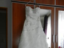 Zmysłowa suknia ślubna w hiszpańskim stylu ANNAIS CARRERA ivory