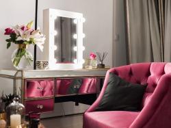 Zrób to sama: podświetlane lustro do sypialni!