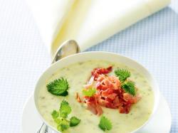 Zupa pokrzywowa z wędzonką