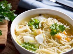 Zupa rybna z makaronem