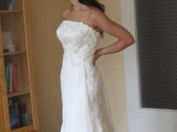 Zwiewna nowa suknia ślubna
