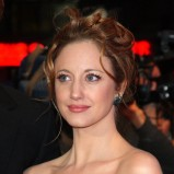 Andrea Riseborough - Wieczorowe fryzury