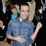 Anna Mucha - w dżinsowej koszuli