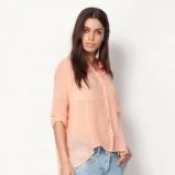 asymetryczna koszula Bershka w kolorze brzoskwiniowym - trendy na wiosnę i lato 2013
