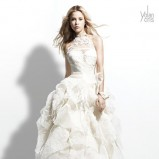 asymetryczna suknia ślubna Yolan Cris