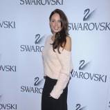 asymetryczny sweterek w kolorze jasnoróżowym - Magda Modra