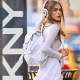 ażurowa spódniczka DKNY w kolorze białym - Cara Delevingne